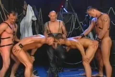 Fred Goldsmith And friends have a enjoyment Each Other\'s Company