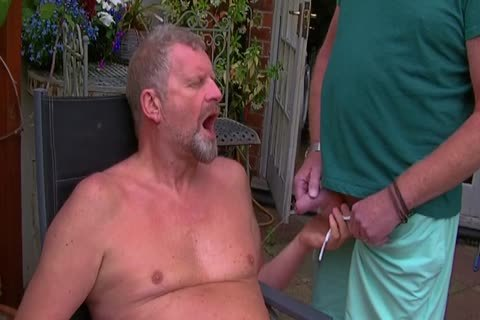 David Comes Over For Some pleasure In The Garden And In The Bedroom Too And I acquire His large 10-Pounder In My arsehole Hoooo Did It Feel sleazy