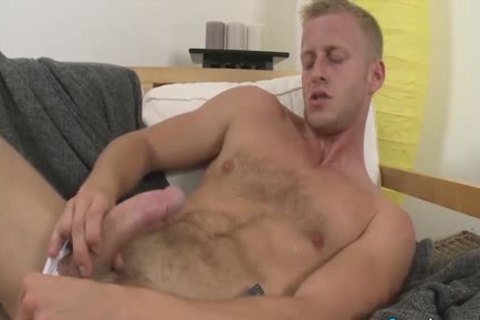 sleazy Denis Reed Working Out A Messy Load Out Of his testicles