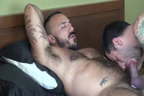 Muscle Hunk plows delightsome chap - Factory clip