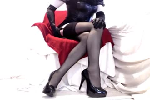 yummy Seamed nylons And Heels