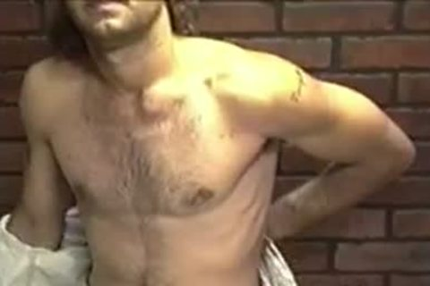 alluring non-professional dude Dallas With lengthy Hair Enjoys In A Solo Play