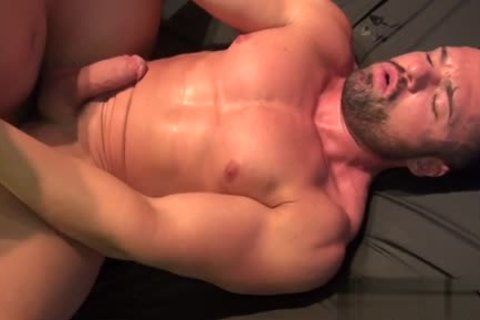 Muscle Bear raw With spunk flow