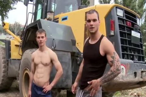 Muscle Daddy ass sex And Facial