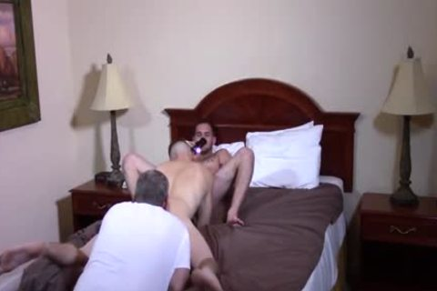 Clay & Bo nude dril The Newbie Ian