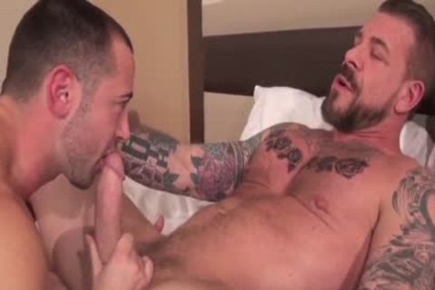 Rocco Steele fuck Donnie Dean (unprotected)