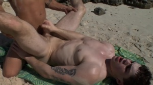 Sex On The Beach - Brent Everett & Eric Clark butt Hook up