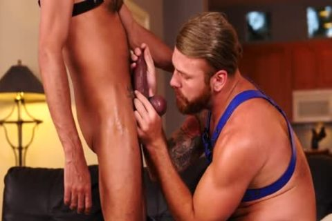 thonged In With Parker Logan & Saul Leinad