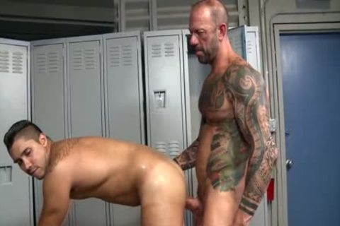overweight 10-Pounder Daddys bare Locker Room Trick