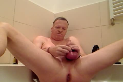 Pumping My rod And Fuckin My anal In The Bathtub