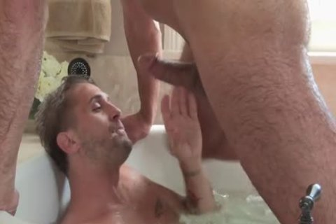 Love & craving In recent Orleans – Wesley Woods Takes Tyler Roberts' massive penis