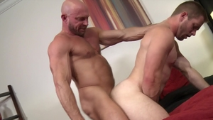 PrideStudios: Muscled Scott Riley jerking Killian Knox