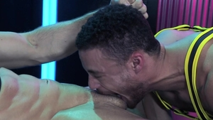 Hot House: Hard rough sex as well as muscle hunk Roman Todd